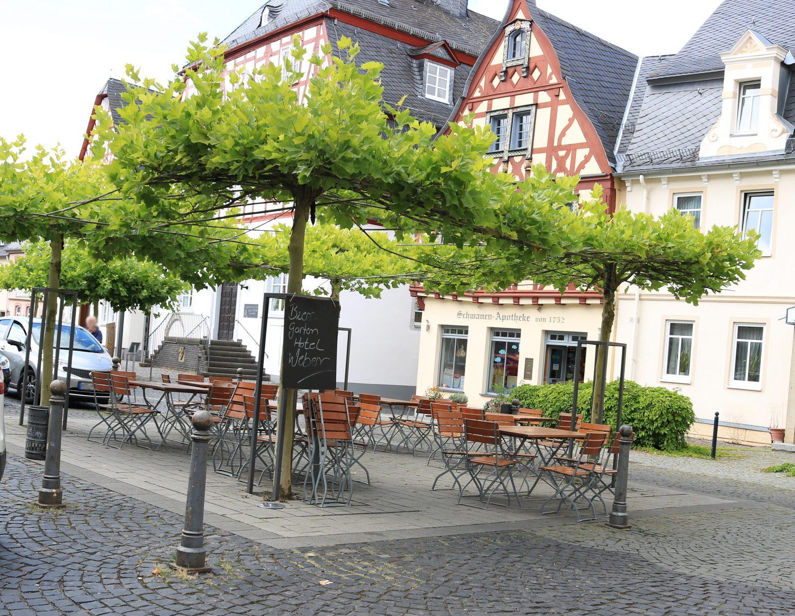 Biergarten im Stadtzentrum am Marktplatz von Kirchberg